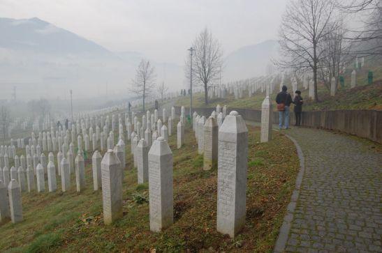 09 Srebrenica graves